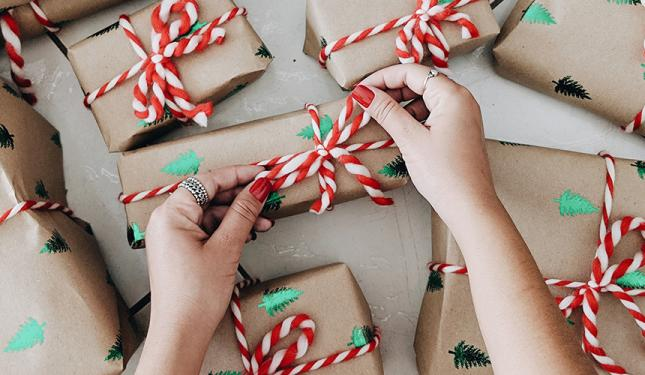 Eco Friendly Christmas Gift Wrap Inspiration